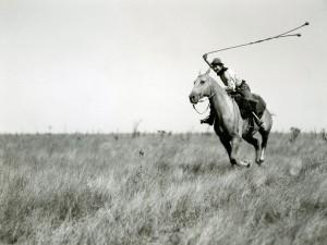 gaucho-horseback_13347_990x742